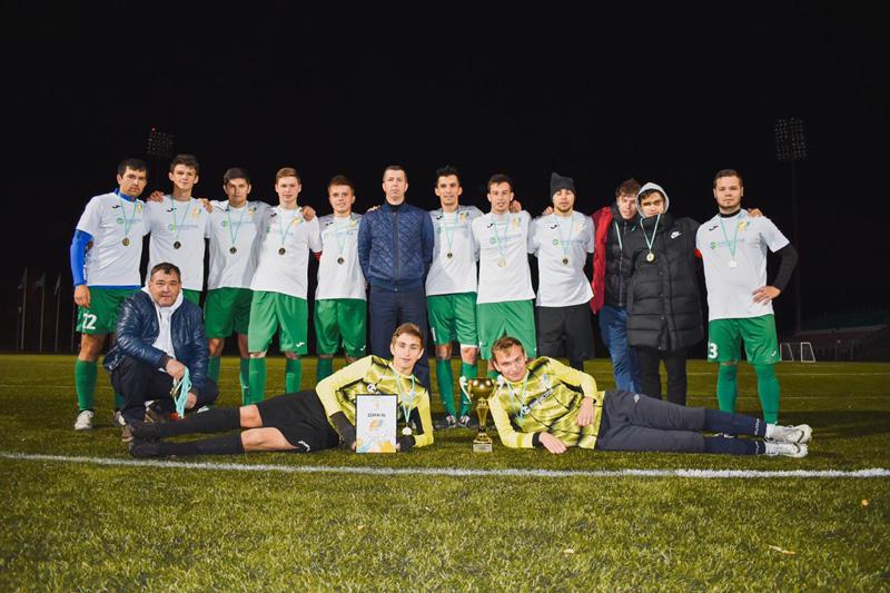 Медики ДРКБ стали Чемпионами в городском турнире по футболу