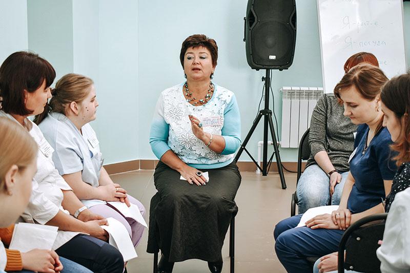 В ДРКБ стартовал очередной цикл тренингов под руководством Татьяны Савельевой — доцента, ведущего тренера, коуча, арт-терапевта