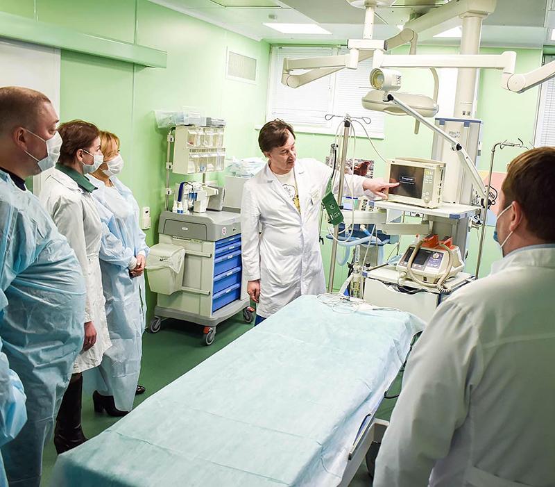 ДРКБ с рабочим визитом посетила делегация в сопровождении уполномоченного по правам ребёнка в РТ Гузель Удачиной