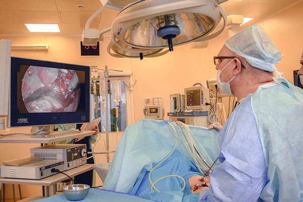 Хирурги ДРКБ провели операцию по устранению редкой патологии