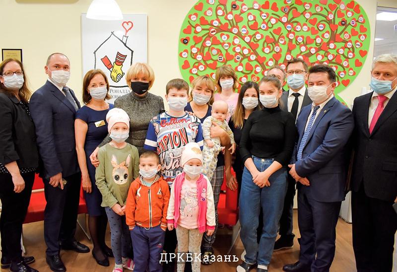 ДРКБ посетил заместитель председателя правления «Сбербанк»